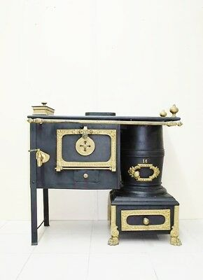 ANTIQUE COOK OVEN STOVE FIREWOOD WITH WATER HEATER IRON CAST EARLY XX Th