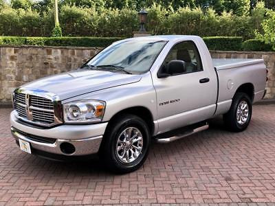 "2007 Dodge Ram 1500 Rare 3 Seat SWB with 6'5"" Bed - IN FABULOUS CONDITION !!!"
