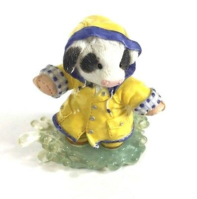 "Mary's Moo Moos ""Mooing In The Rain"" Cow Figurine Enesco 1997 Vintage"
