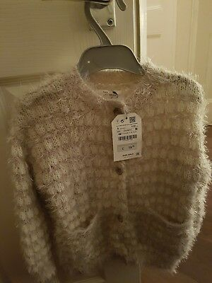 Absolutely georgeous Zara Girls Aged 5 Years snuggly Cardigan bran new.