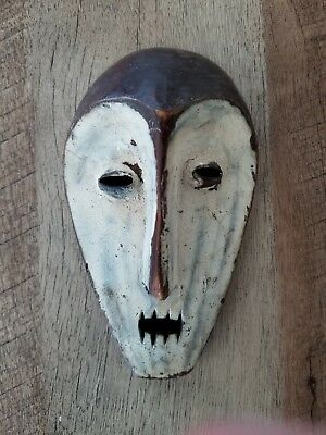 Small African or Island Mask Carving