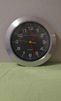 "Seth Thomas 12.5"" Battery Operated Autoset Wall Clock"