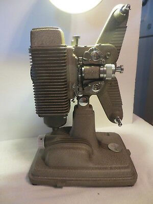 VINTAGE REVERE MODEL 85 EIGHT 8mm MOVIE PROJECTOR WITH/CORD,CASE & CORD, VERY CL