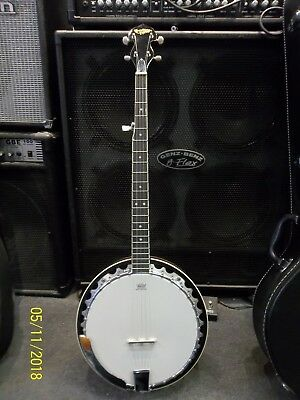 Countryman TCB30 5 string banjo & hard case. New. Waranteed