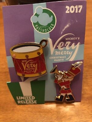 Disney Mickey's Very Merry Christmas Party 2017 Drummer Boy LR Passholder Pin