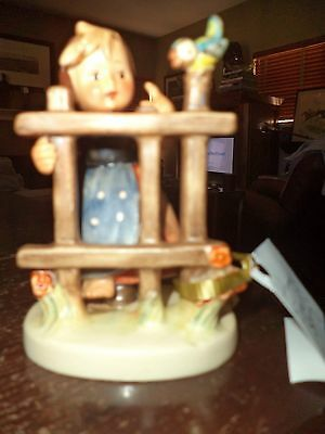 VINTAGE HUMMEL FIGURINE SIGNS OF SPRING VINTAGE PIECE POTTERY goebel