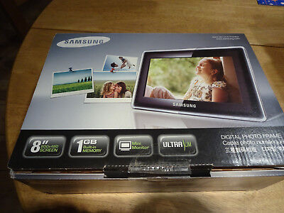 Samsung digital photo frame SPF-87H BRAND NEW