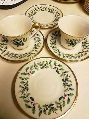 Lenox Holiday China Dimension Collection 2 Teacups and 4 Saucers