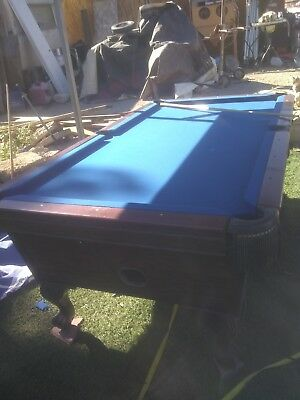 7' coin oparated pool table