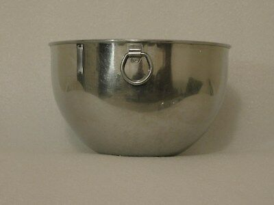 Revere Ware  Mixing Bowls - Set of Four Plus One Cover