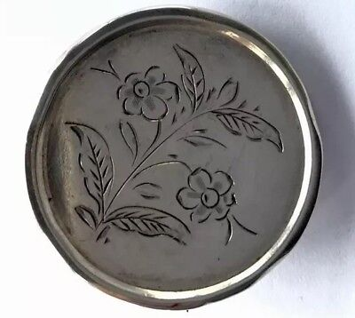 ANTIQUE Silver BUTTON STYLE ENGRAVED FLOWER BROOCH - Gift Boxed
