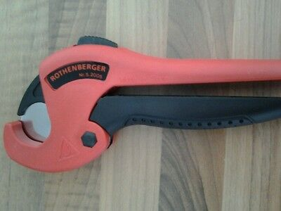 IRothenberger plastic pipe cutters cuts plastic pipe size from 0mm to 26mm