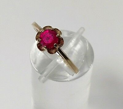 10K Gold Vintage Antique Ruby Ring Beautiful Setting