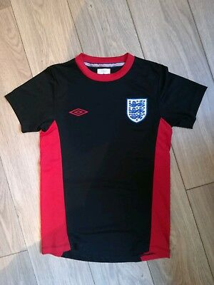 Boys Umbro England T-shirt, Size 146cm (30in Chest)