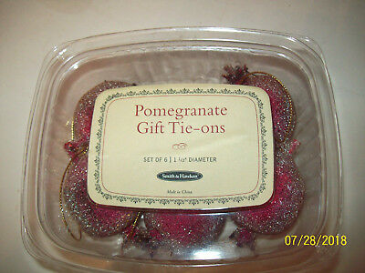 Smith & Hawkins Pomegranate Tie-Ons Set of 6  NIB 1 1/2 inch diameter Christmas