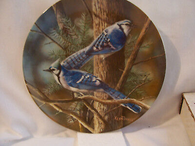 """1985 Edwin Knowles Collector Plate #9911L """"The Blue Jays"""" w/box"""