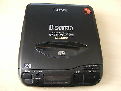 Mega-Bass-Vintage-SONY-Walkman-D-33-CD-Compact.jpg