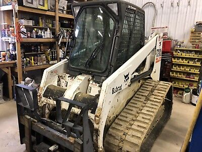 Bobcat T200 Track Skid Steer Loader - Aux Hyd - Cab Heat/Air - Reman Engine