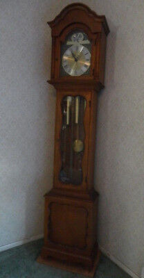 Grandfather Grandmother Clock  Tempus Fugit 3 Tube Colonial 1950's / 1960's NICE