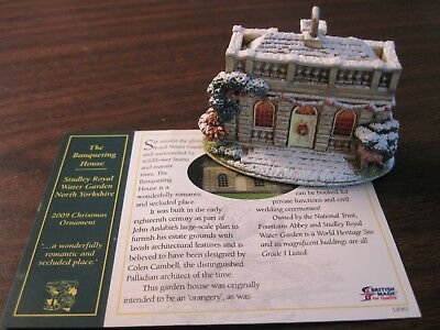 Lilliput Lane Christmas Ornament The Banqueting House 2009  #L3166 with Deed