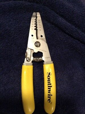 Southwire Durable Stainless Steel 10-20 AWG Stranded Wire Cutter Stripper