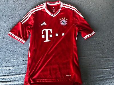 Mens Bayern Munich Red Football Kit