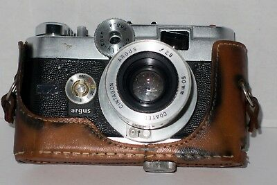 VINTAGE ARGUS C-FORTY-FOUR C44 35mm RANGEFINDER CAMERA W/50mm f/2.8 LENS, Case