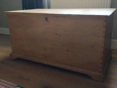 Antique Victorian Old Pine Bedding Box
