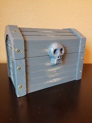 Wooden Antique Style Treasure Chest High Quality Melissa & Doug Pirates Chest