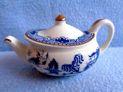 **  Delightful Tactile Blue Willow Very Rare Cardew Tiny Teapot ** Ex Con **