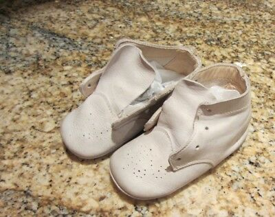 pr Old VTG Leather Lace Up Tie Baby Shoes 1951 High Top White Doll