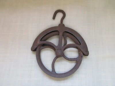 Antique Cast Iron No. 8 Well Pulley Primitive 9 X 11 1/4 Inches
