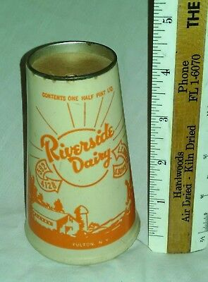 Vintage Old Riverside Dairy Fulton NY Milk Container Cow 1/2 Pint Wax Cup Cone