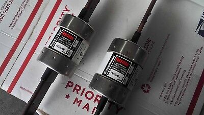 Pair 2 Bussman, Fusetron FRS-R-400 400 amp 600 v Dual Element Time Delay Fuse