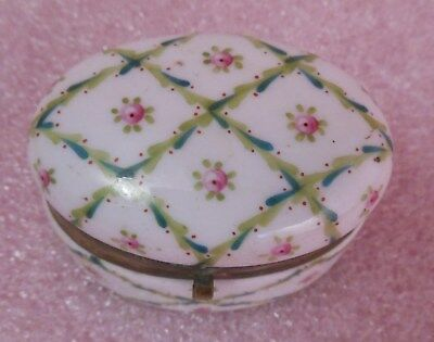 Great Antique Oval Porcelain Pill Box With Floral Top