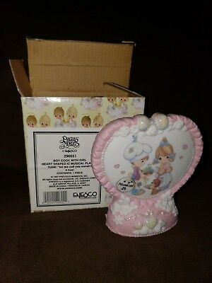 Precious Moments 1997 Boy Cook With Girl Musical Plaque Porcelain Figurine NEW