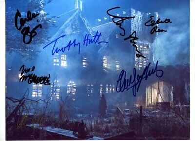cast of 7 main characters Haunting of Hill House signed autograph B6469
