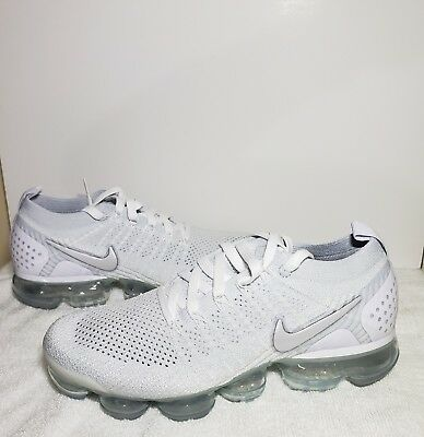 Men's Nike Air Vapormax Flyknit 2 Grey/ White size 8 -New