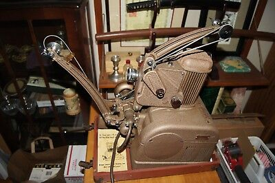 VIntage AmPro  Stylist 16mm Sound  Projector with Case - Excellent condition