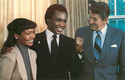 President Ronald Reagan with Sugar Ray Leonard at White House 1981 Postcard