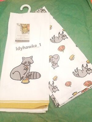 ♡ 2 Cute Racoon Eating Pumpkin Pie Thanksgiving Kitchen Towels NWT Fall Holiday