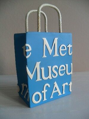 Metropolitan Museum of Art New York Penholder in the Form of Their Iconic Bag
