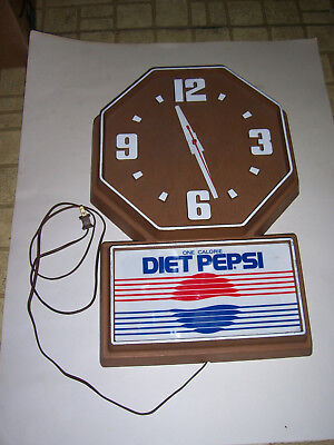 Operational Electric Vintage Diet Pepsi Advertising Wall Clock Faux Wood 1986