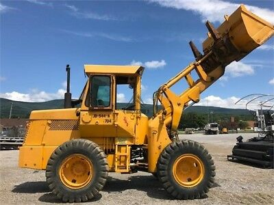 1974 DEERE 544A John wheel loader Enclosed cab with heat, pin on forks,Bucket...
