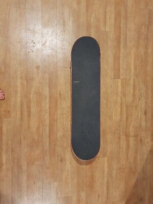 SKATEBOARD in new condition. 79cm x 20cm