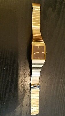 SEIKO MENS GOLD TONE SQUARE FACE  stainless steel back JAPAN VINtage