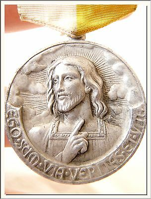VINTAGE 1946's SPANISH EUCHARISTIC CONGRESS in BARCELONA MEDAL ! VISIT MY STORE