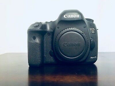 Canon EOS 5D Mark III 3 Digital SLR Camera in Excellent Condition lll Body Only