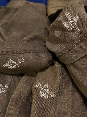 Original WW2 British Wool 1943 dated Jeep scarf in mint unissued condition!