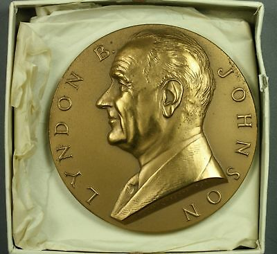 "3""   Bronze  LYNDON JOHNSON - LBJ   Presidential INAUGURATION MEDAL  Paperweight"